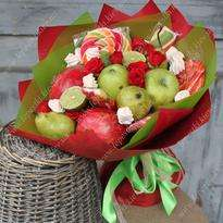 Sweet fruit bouquet with marshmallows