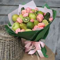 Fruit Bouquet with Macaroons