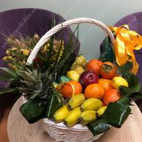 Fruit basket with dried flowers