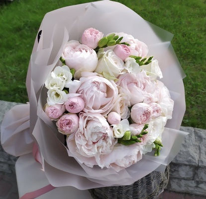 """Bouquet with peonies """"Roze"""""""